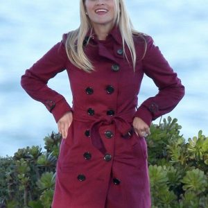 Reese Witherspoon Over Coat